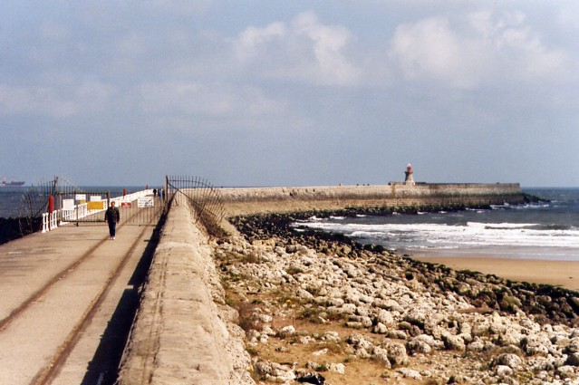 South Pier - geograph.org.uk - 567360