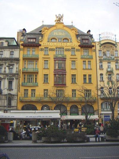 File:Václavské námestí Hotel Evropa 2005-03-26 00.jpeg