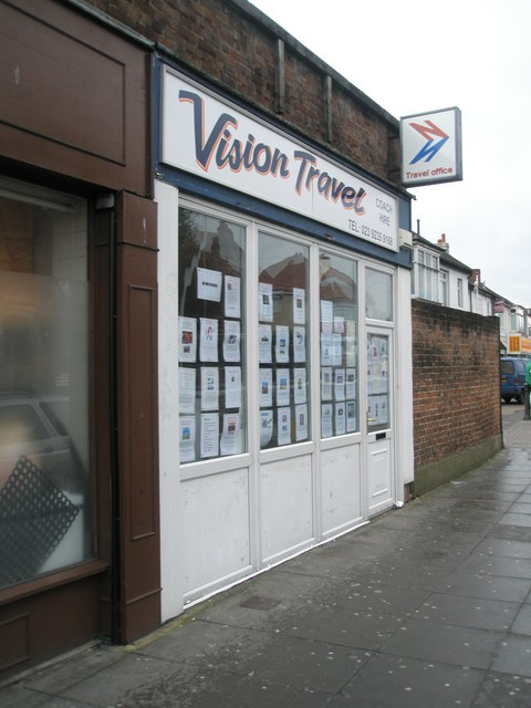 File:Vision Travel in Spur Road - geograph.org.uk - 784191.jpg