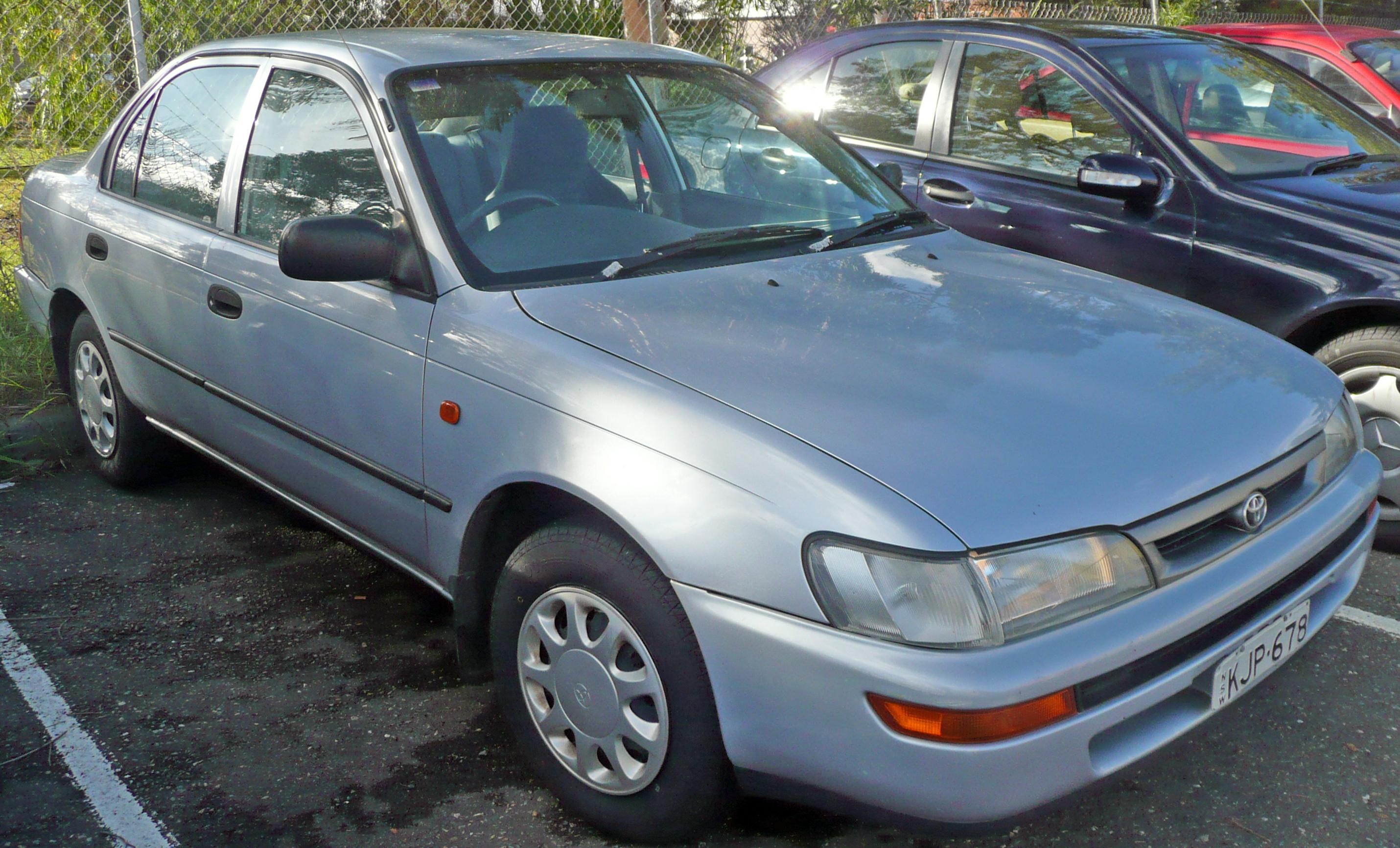 Kelebihan Toyota Corolla 1999 Perbandingan Harga