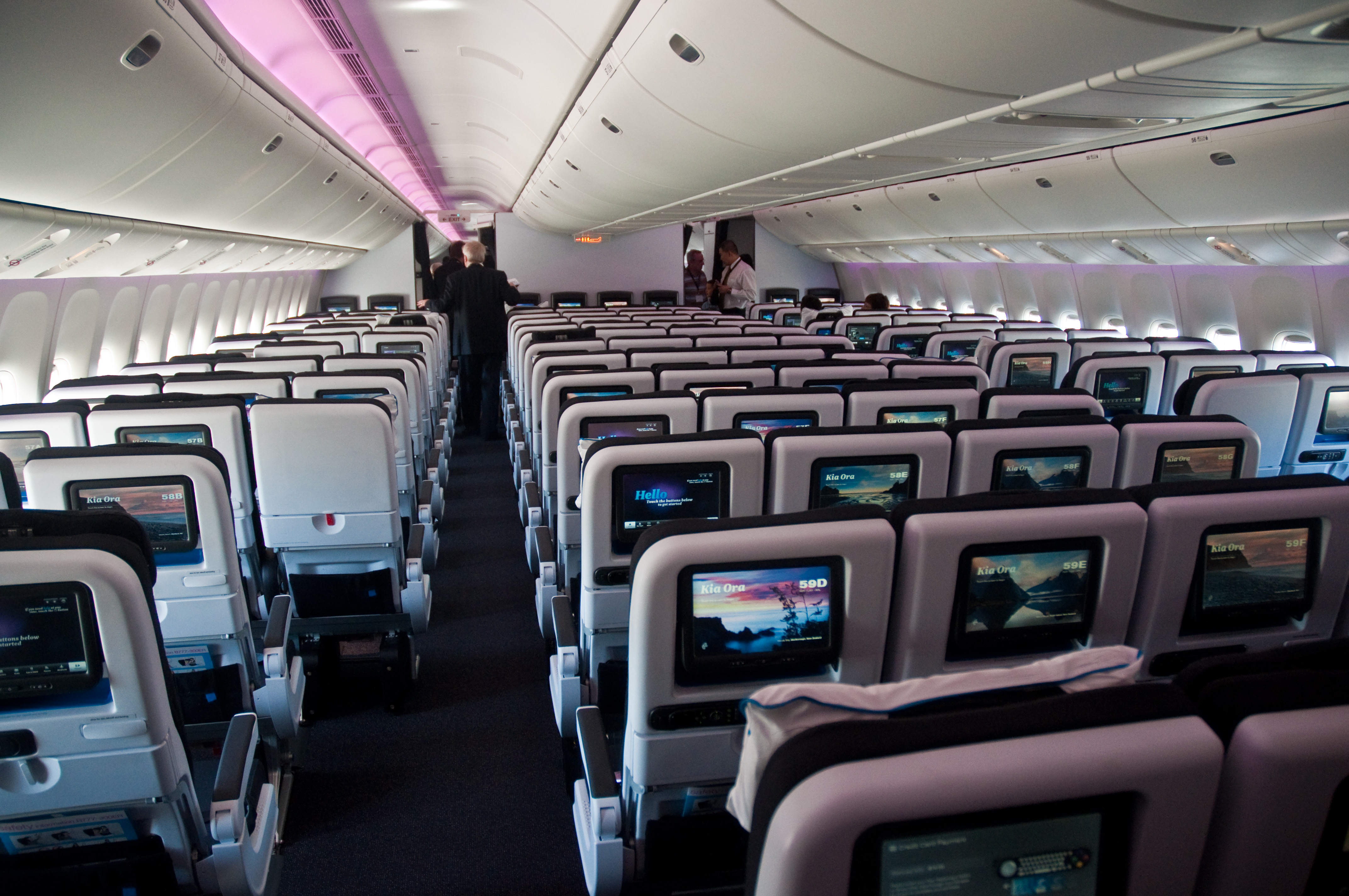 File air new zealand pacific economy 777 300er for Interieur boeing 757