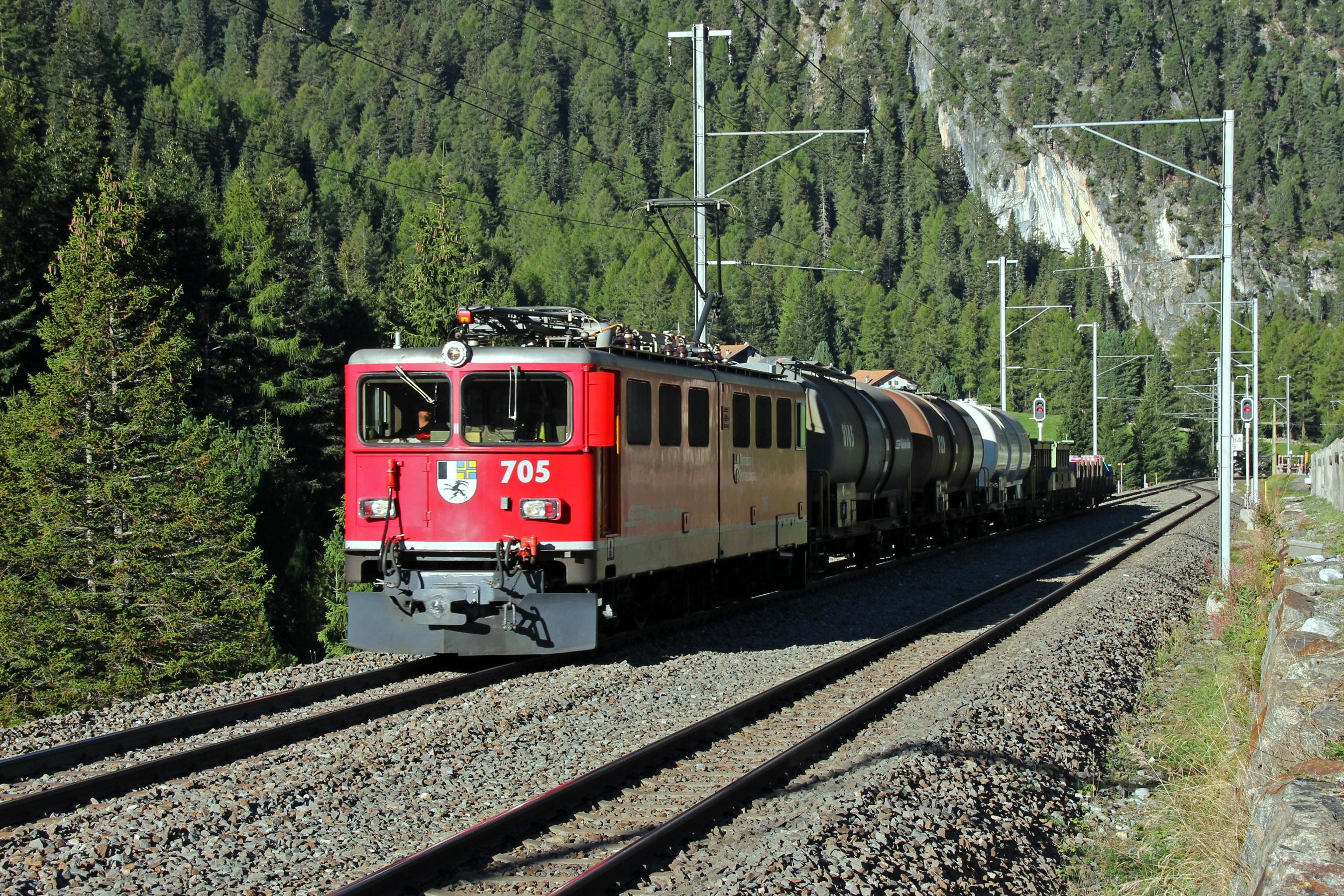 Ge Stock Chart: Albulabahn cargo train with electric loco Ge 6-6 II RhB ,Chart