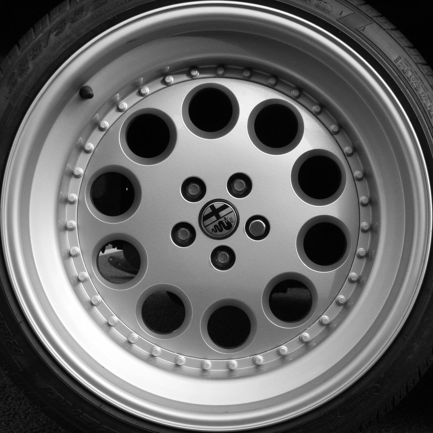 Filealfa Romeo Sz Il Mostro Wheel Wikimedia Commons Alfa Rims