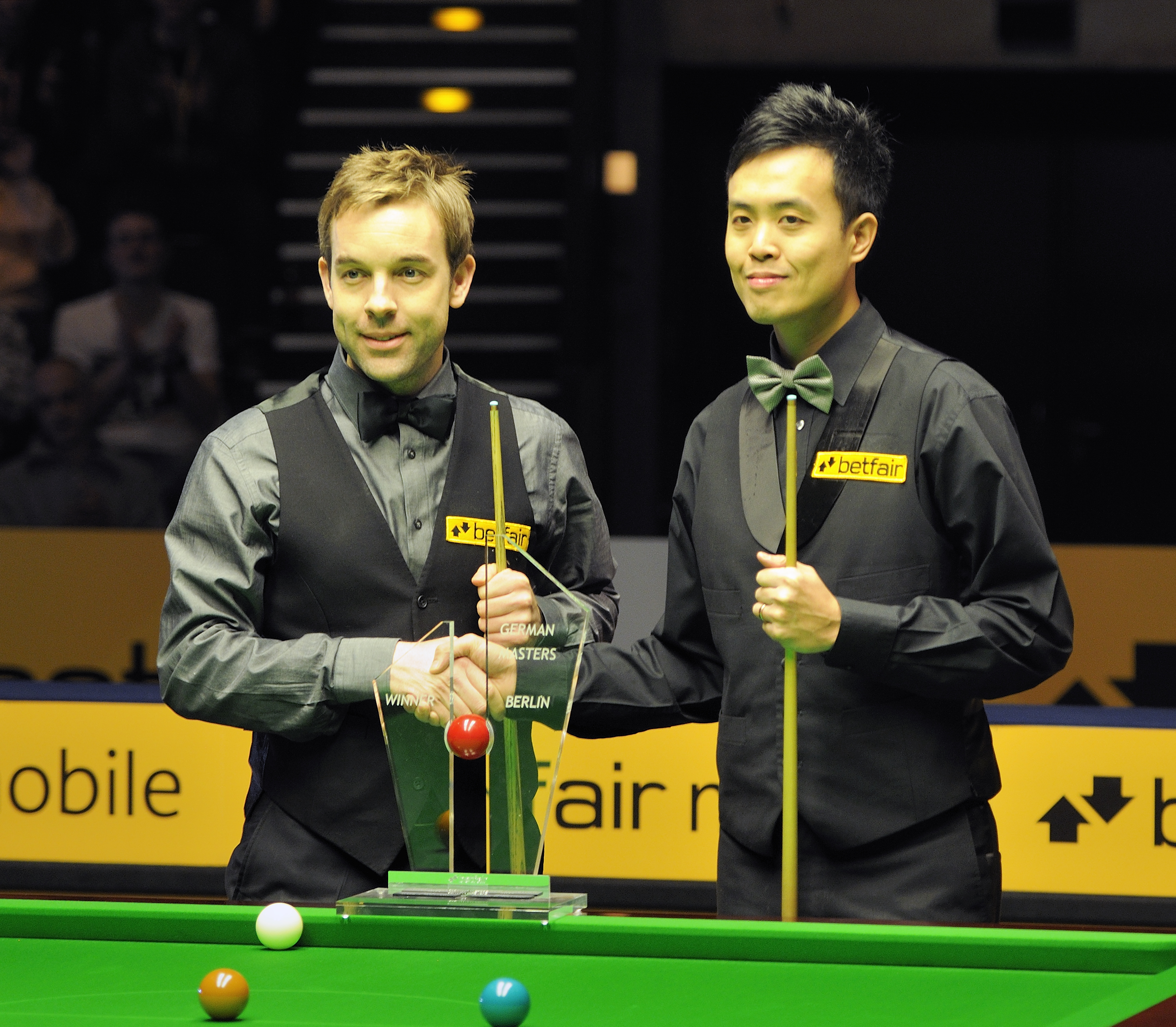 File:Ali Carter and Marco Fu at Snooker German Masters (DerHexer ...