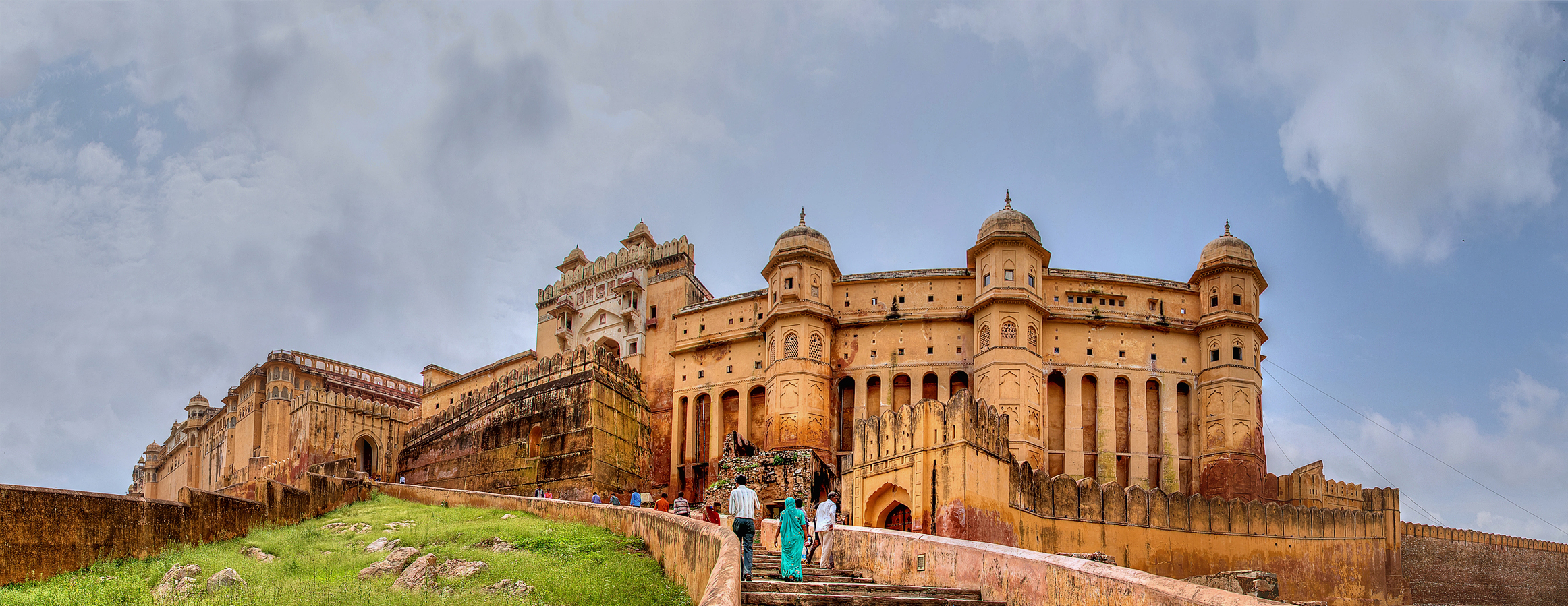 3 heritage places to visit in Rajasthan: Amber Fort at Jaipur india