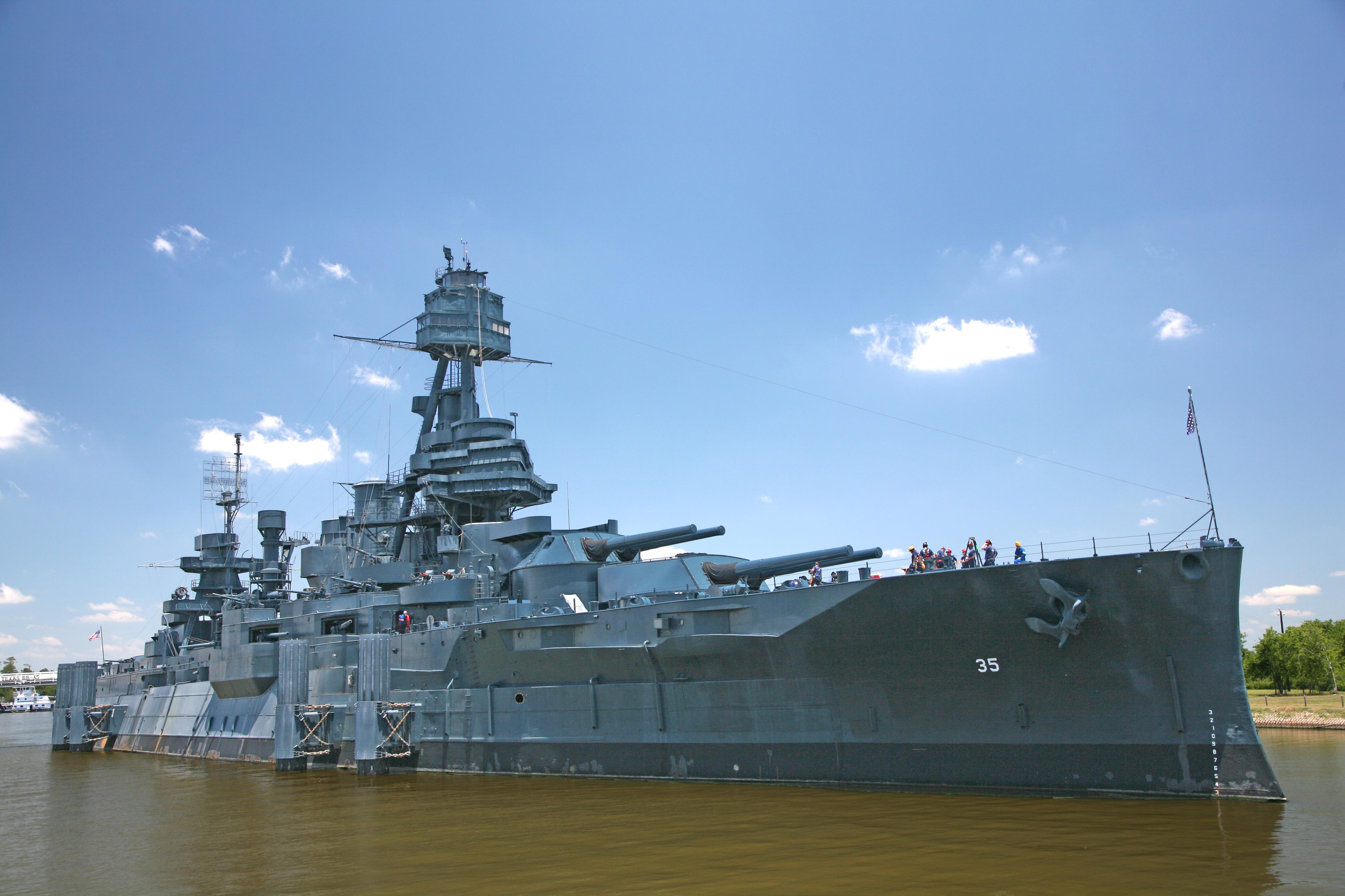 Ship Builds To Defeat Awakened Empires