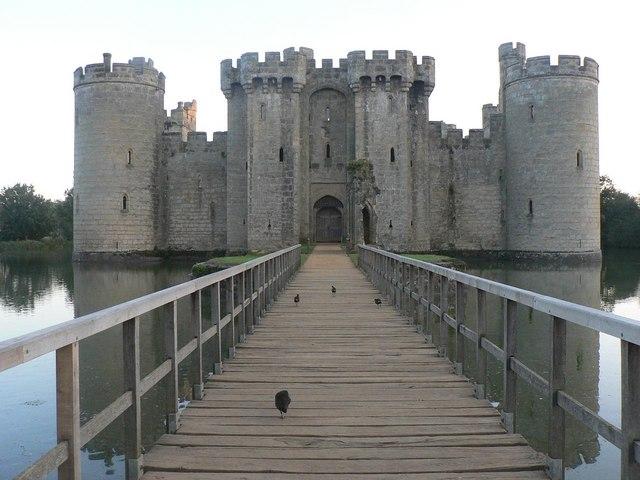 Bodiam, castle footbridge - geograph.org.uk - 560770