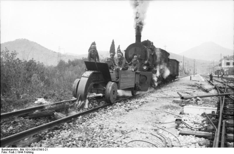 File Bundesarchiv Bild 101i 308 0799s 21 Italien Itri