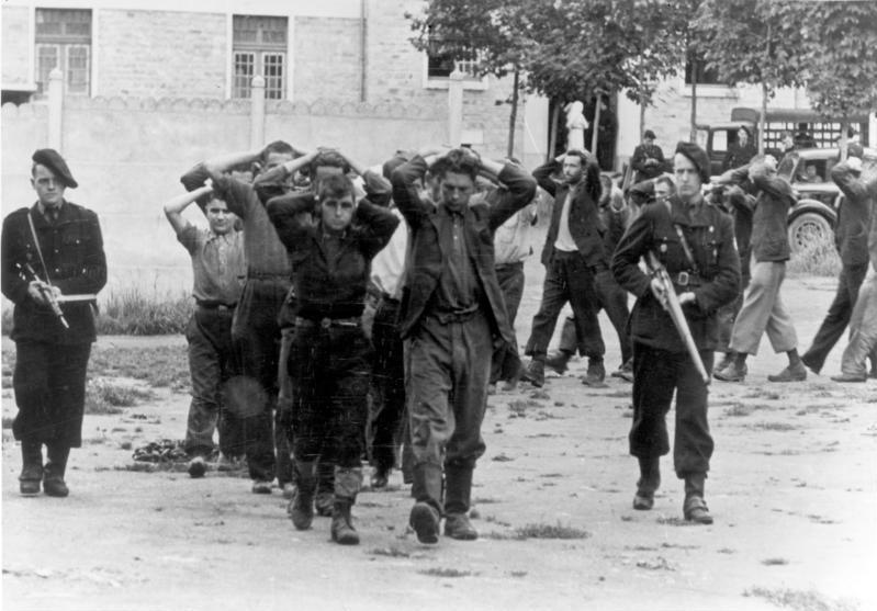 Archivo:Bundesarchiv Bild 146-1989-107-24, Frankreich, Einsatz gegen die Resistance.jpg