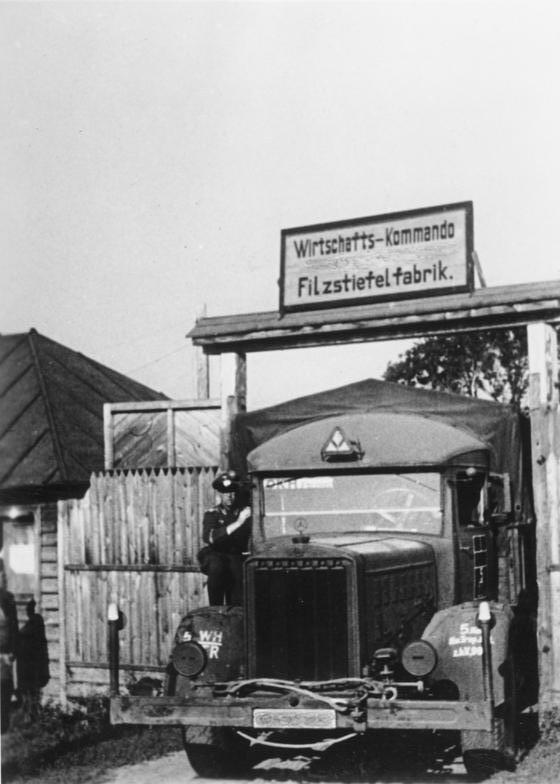 Datei:Bundesarchiv Bild 183-J18132, Sowjetunion, Filzstiefel für die Wehrmacht.jpg - Wikipedia