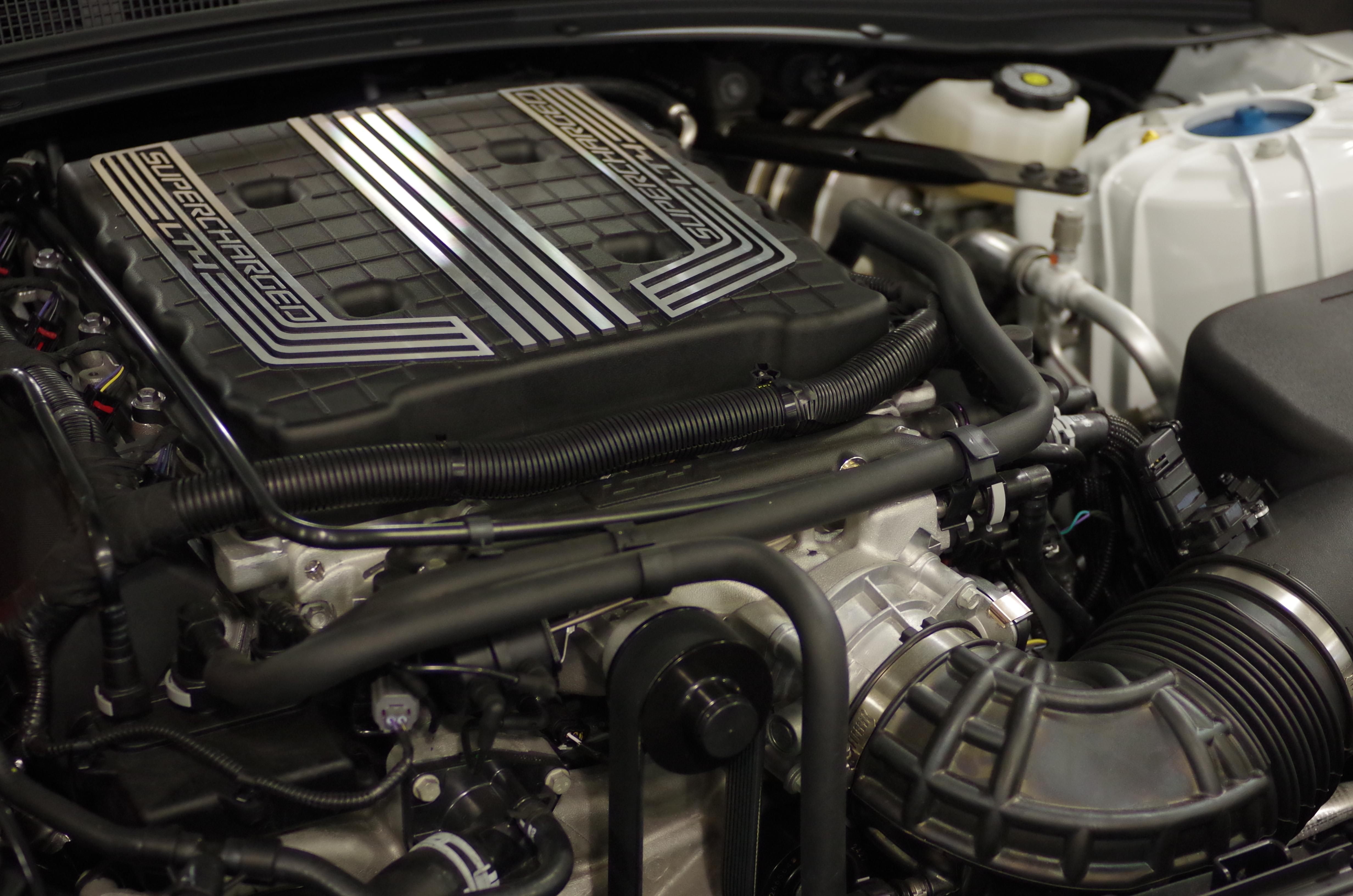 File:Camaro LZ1 Engine.jpg - Wikimedia Commons