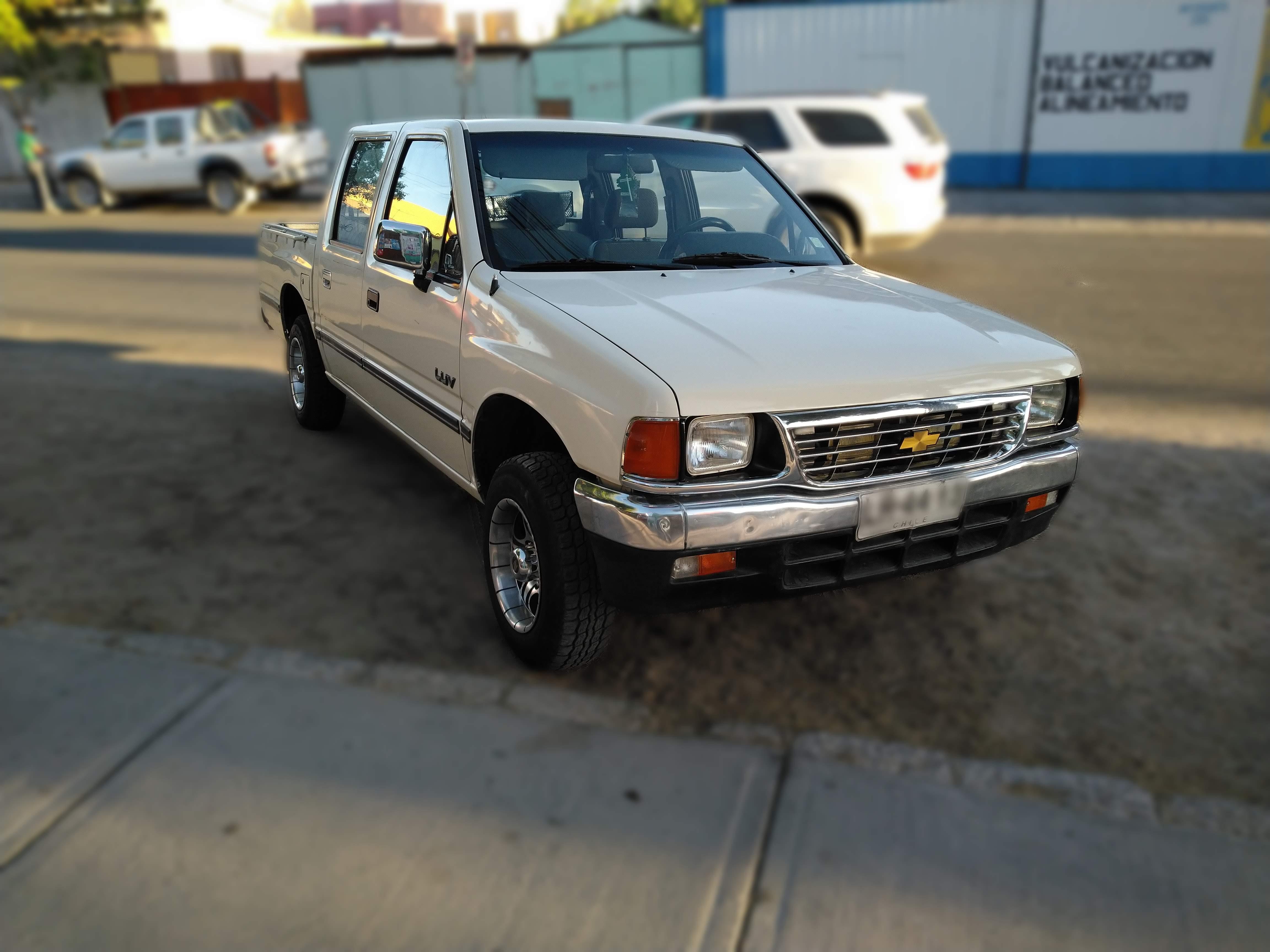 File:Chevrolet (isuzu) luv jpg - Wikimedia Commons
