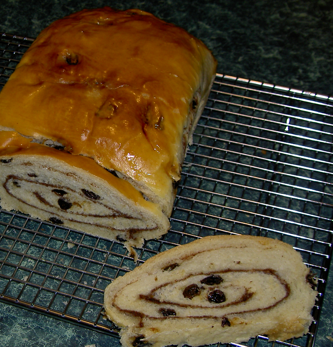 File:Cinnamon swirl raisin bread.jpg - Wikipedia, the free ...