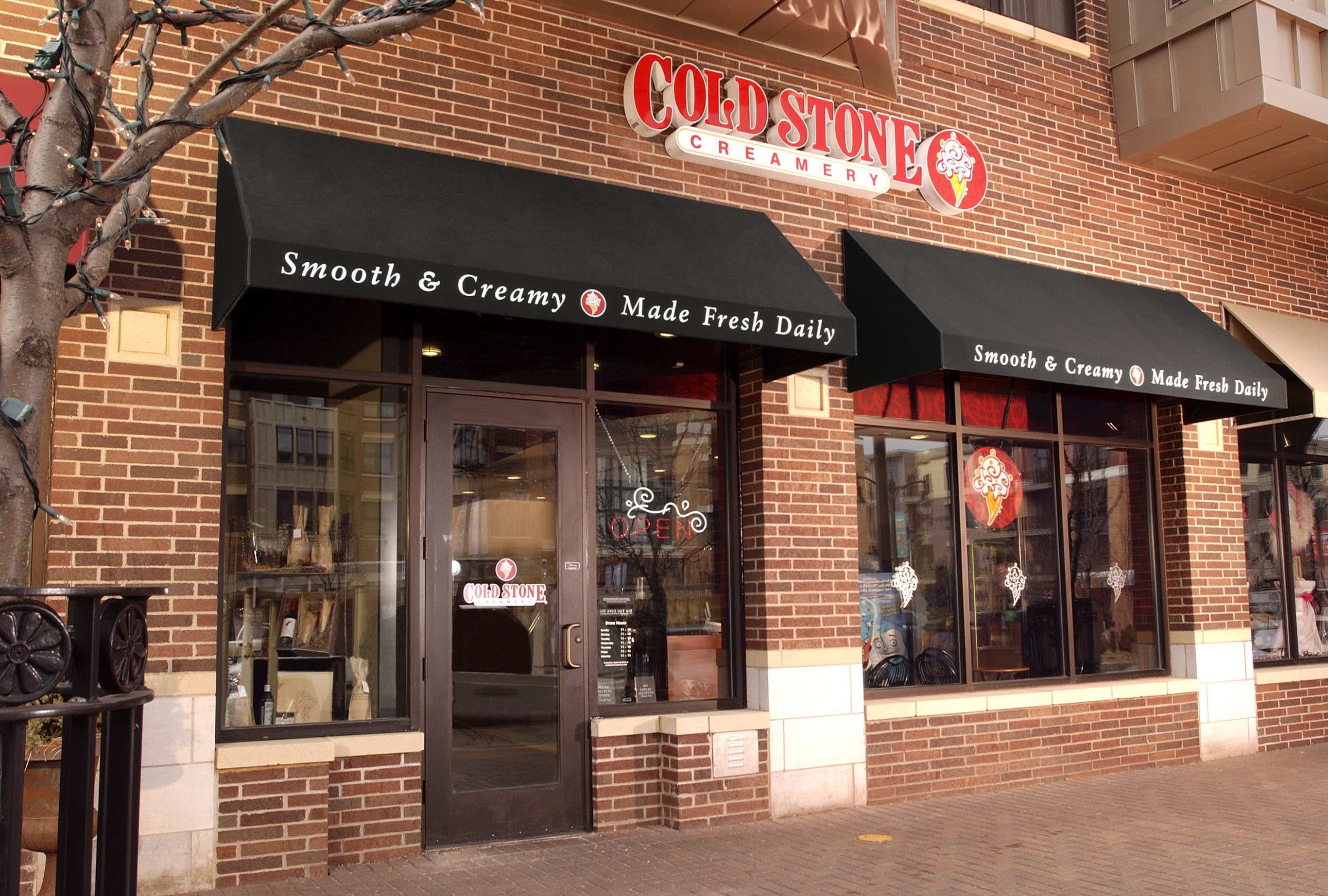File:Cold Stone Store.jpg - Wikimedia Commons