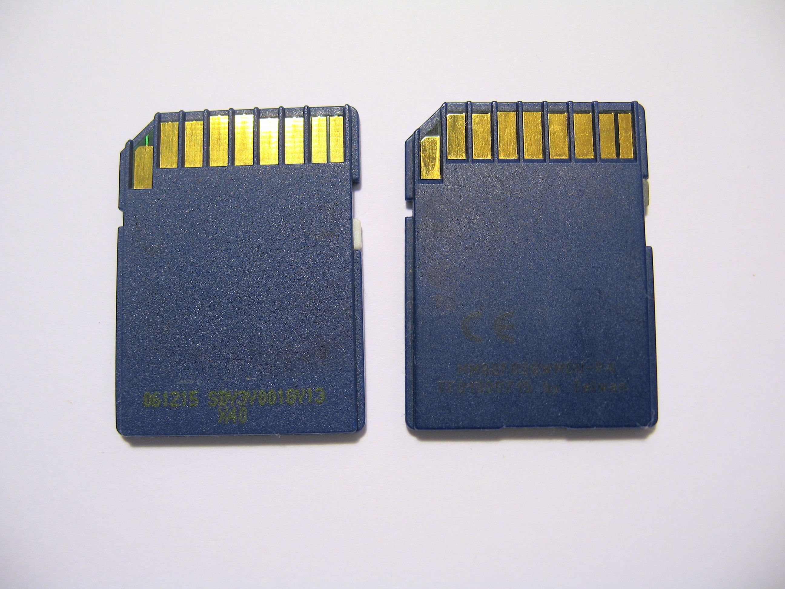 File:Crucial SD Cards 2007 1GB and 2GB (rear) jpg - Wikimedia Commons