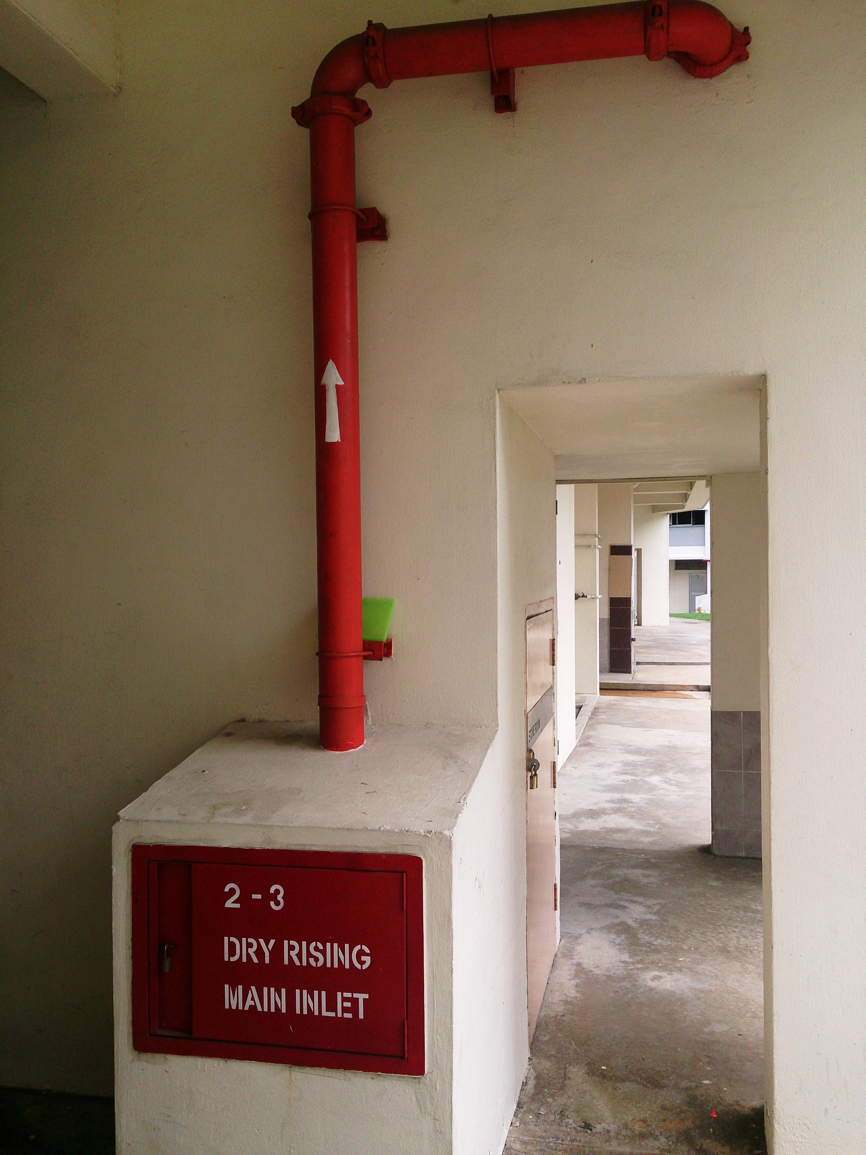 Dry riser - Wikipedia