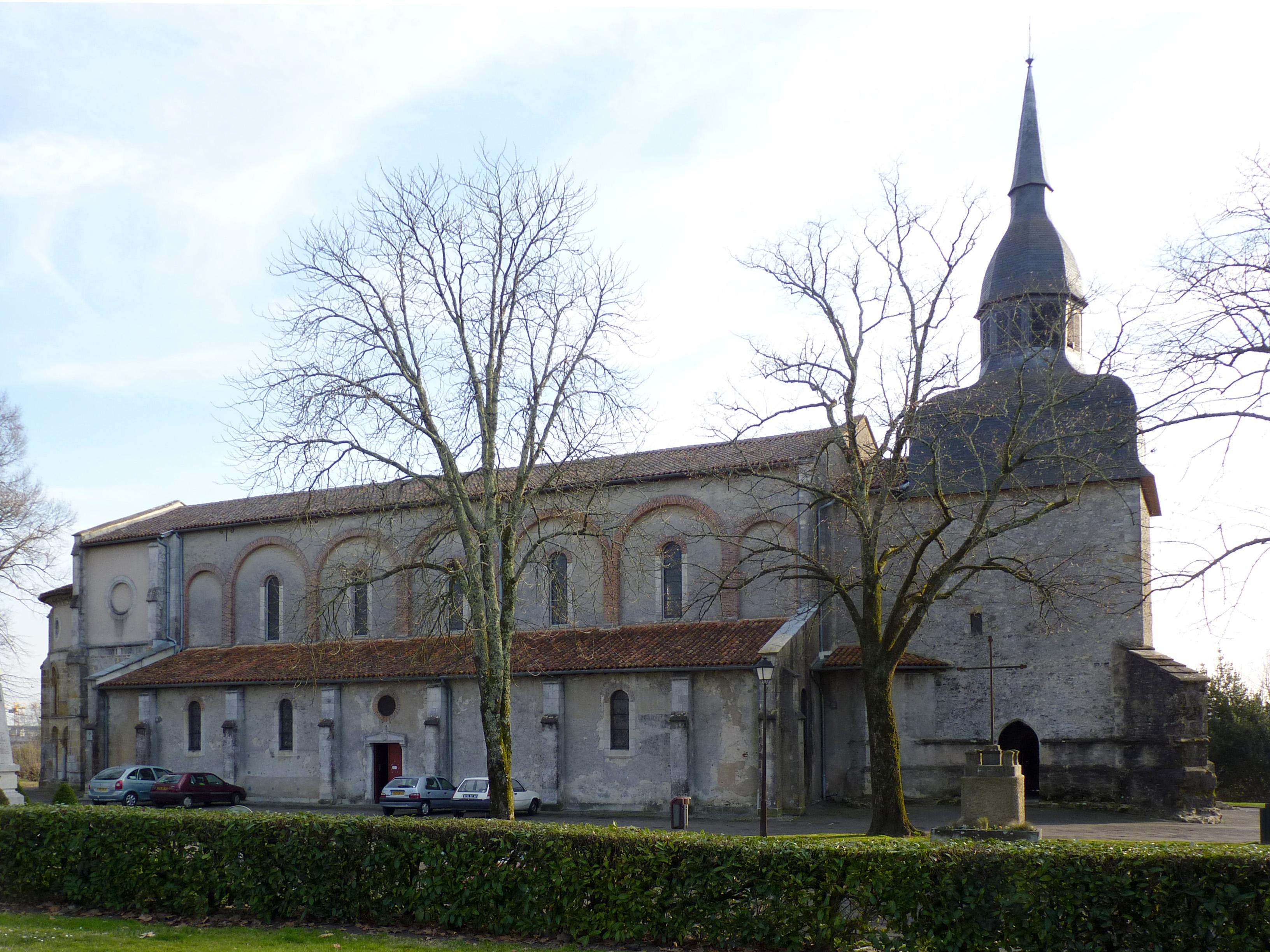 File eglise de saint paul l s dax jpg wikimedia commons for Piscine st paul les dax
