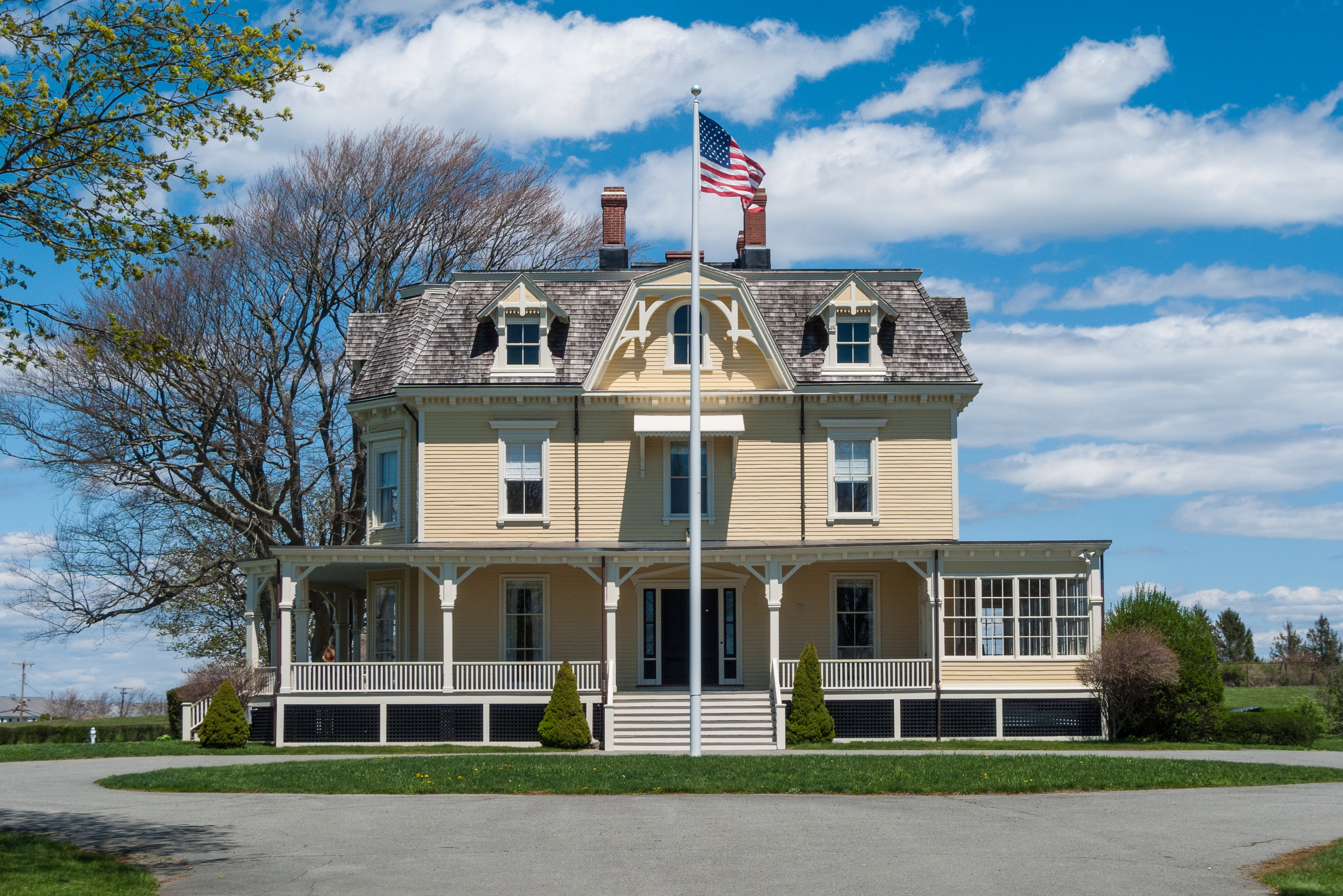 File:Eisenhower House, Fort Adams State Park, Newport