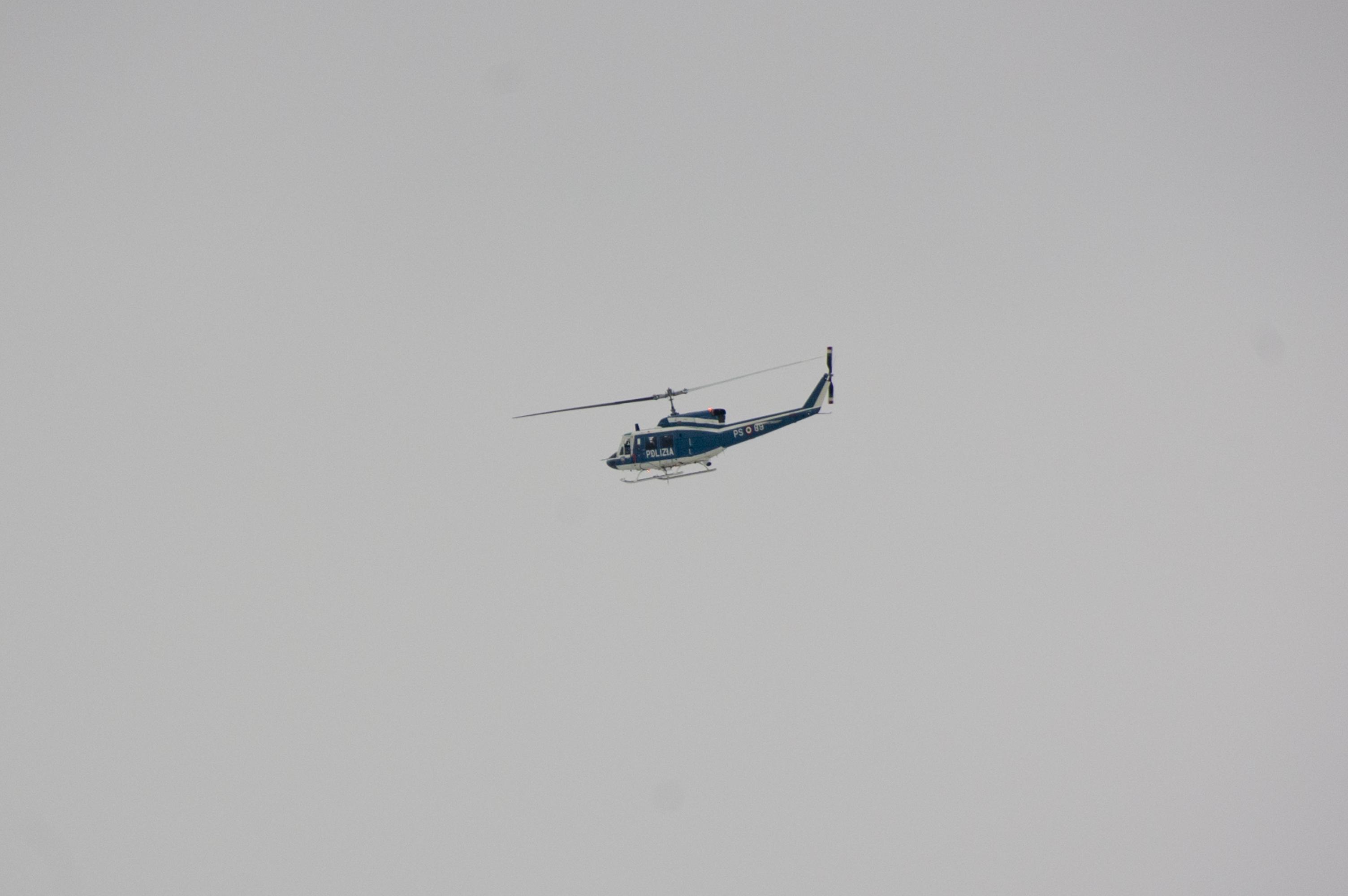 Elicottero 8 : File elicottero polizia roma g wikipedia