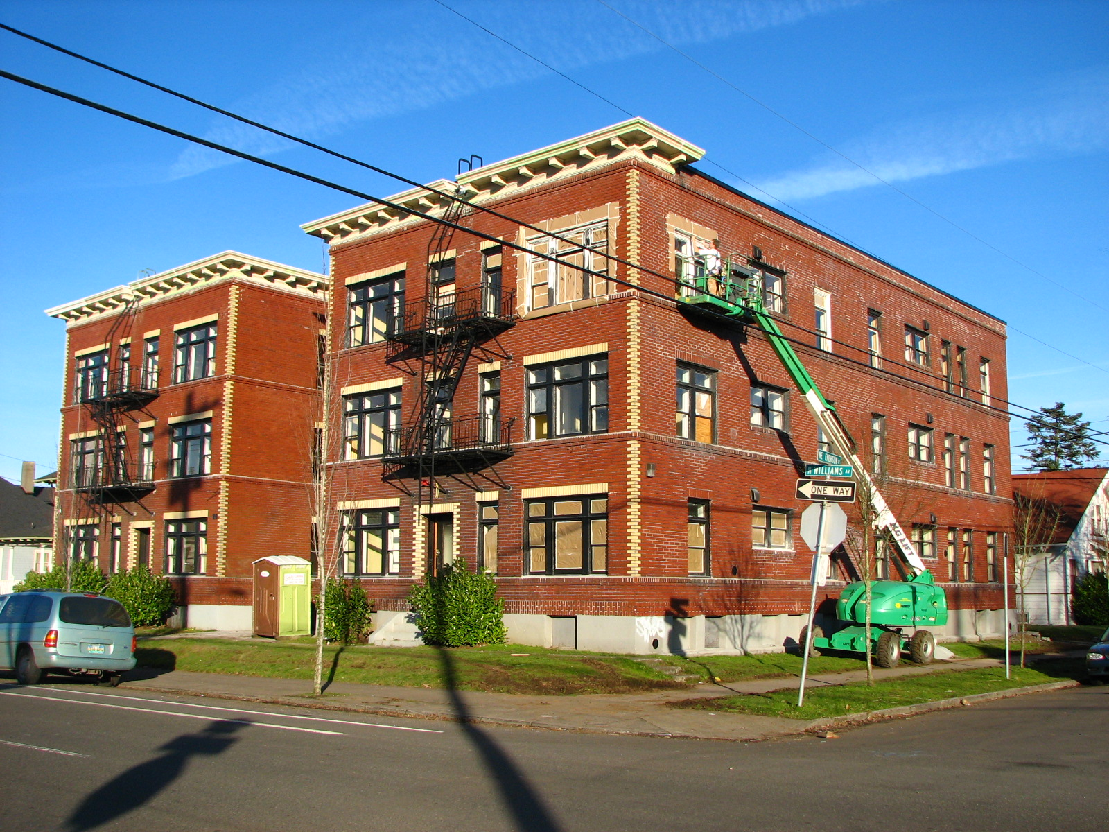 Emerson_Apartments_-_Portland_Oregon.jpg