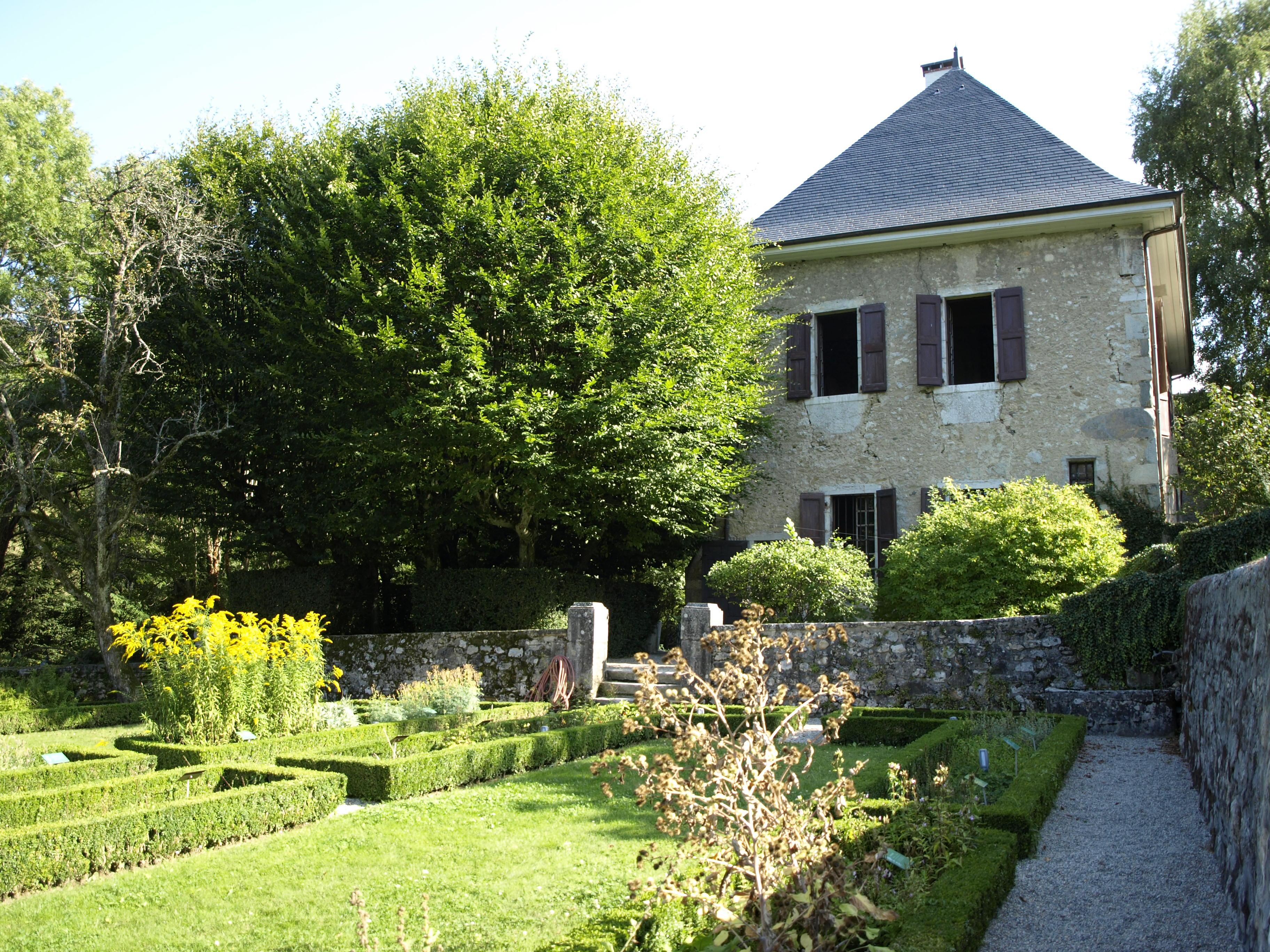 Esterno Di Una Casa : File esterno della casa dove ha vissuto jean jacques rousseau