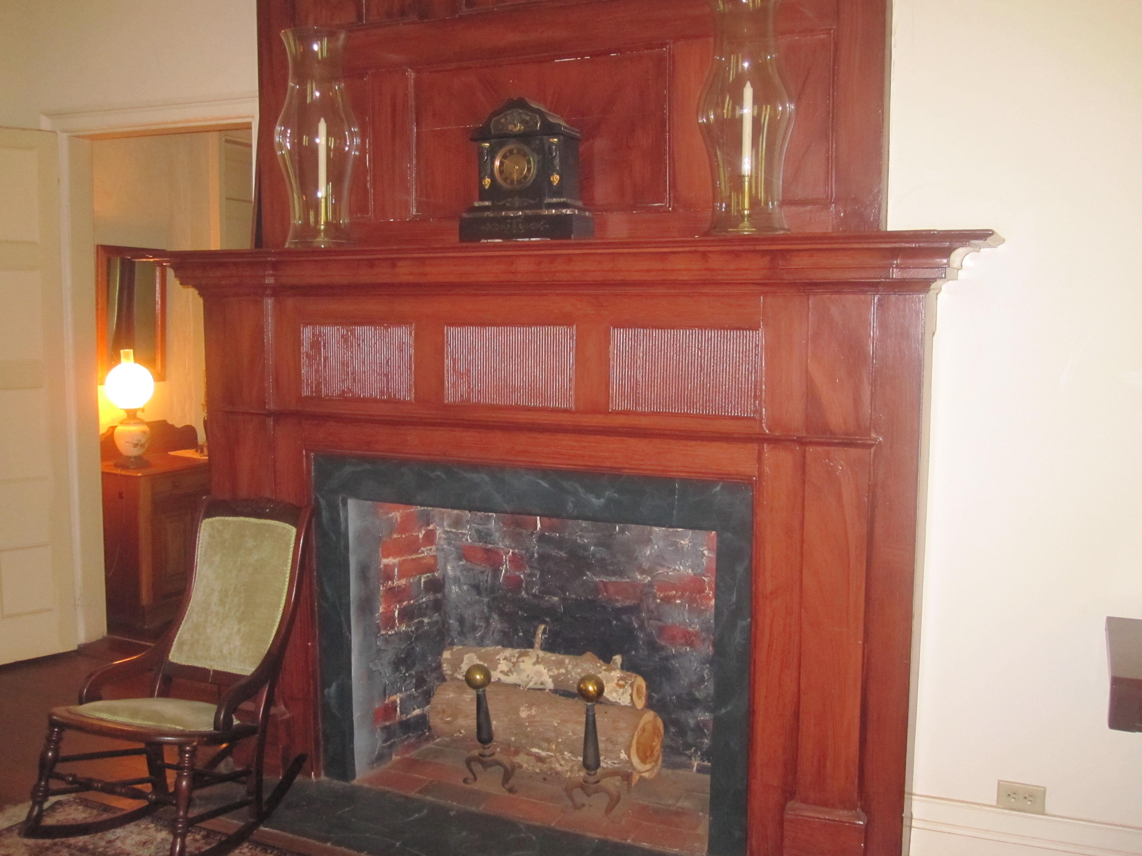 File:Fireplace at Melrose Plantation IMG 3457.JPG - Wikimedia Commons
