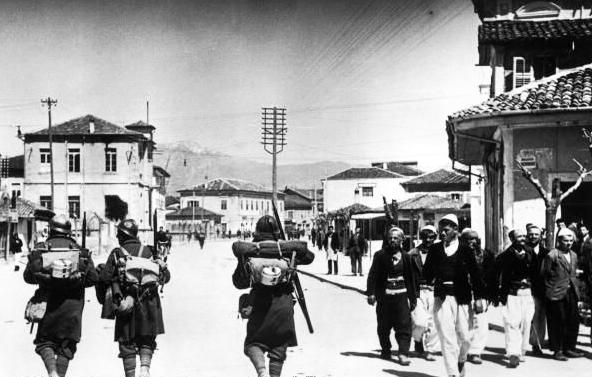 Италианска инвазия в Албания – Уикипедия
