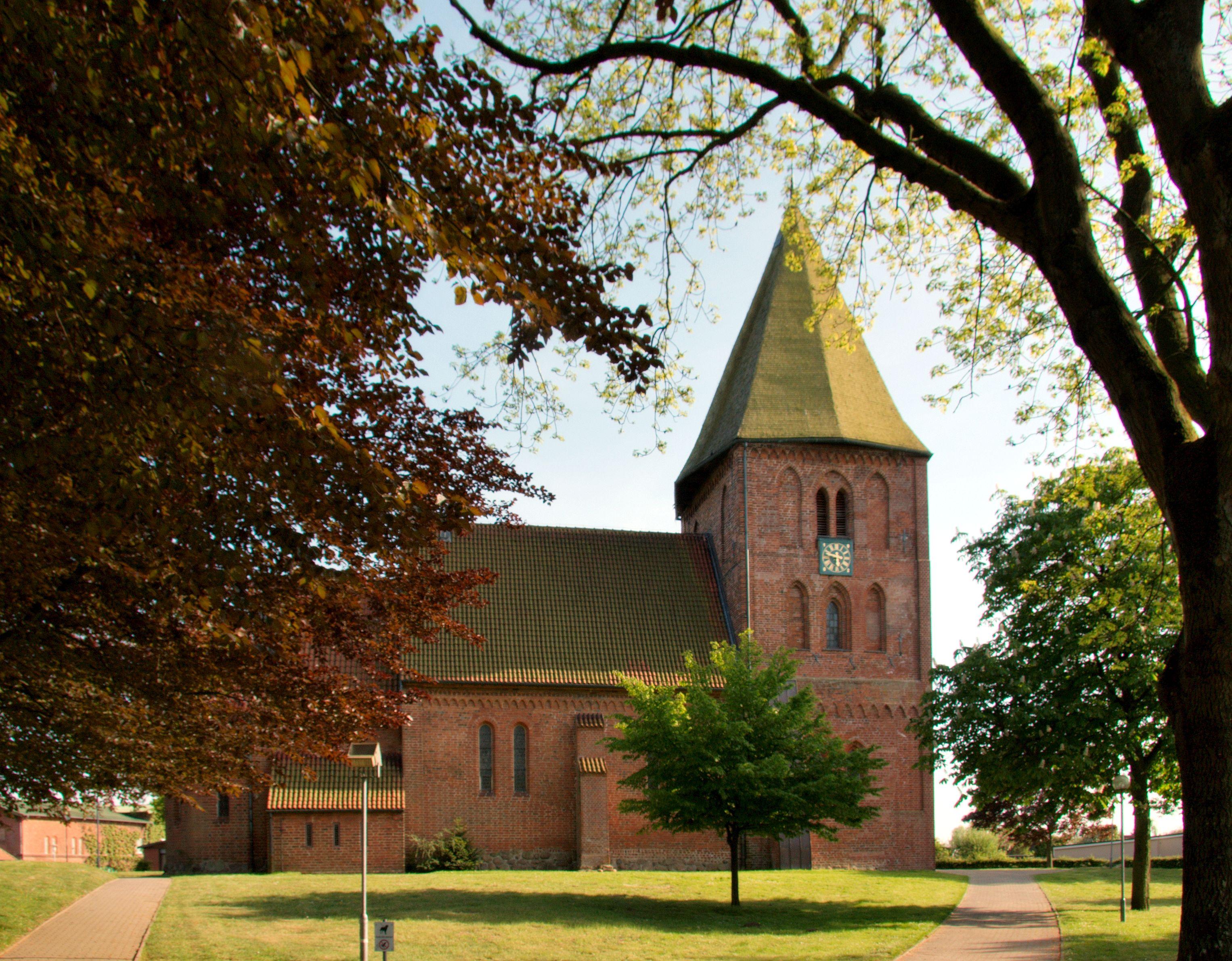 Kirche Zarpen