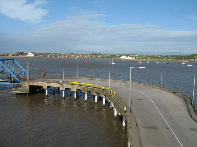Knott End from Fleetwood Dock - geograph.org.uk - 429451