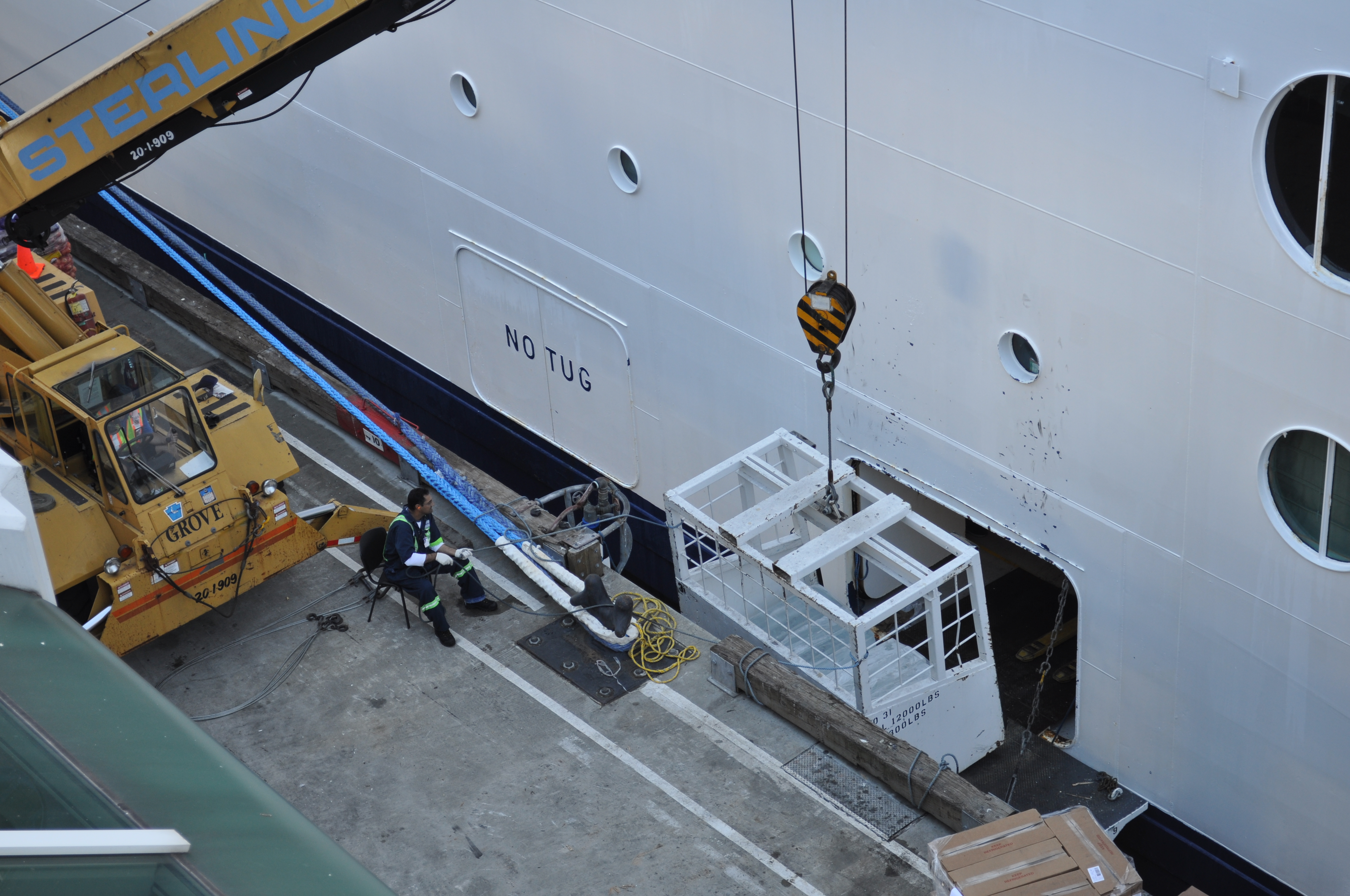 FileLoading Cargo Onto Celebrity Cruise Ship Jpg Wikimedia - Cargo cruise ship
