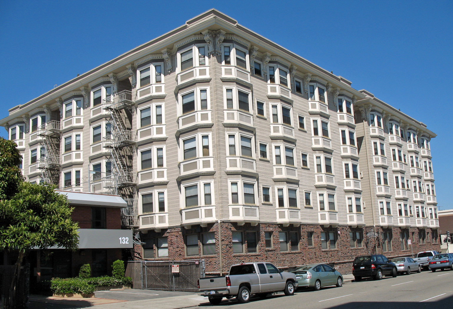 Madison Park Apartments Oakland