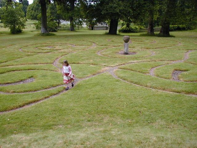 Maze at Parham House - geograph.org.uk - 416432