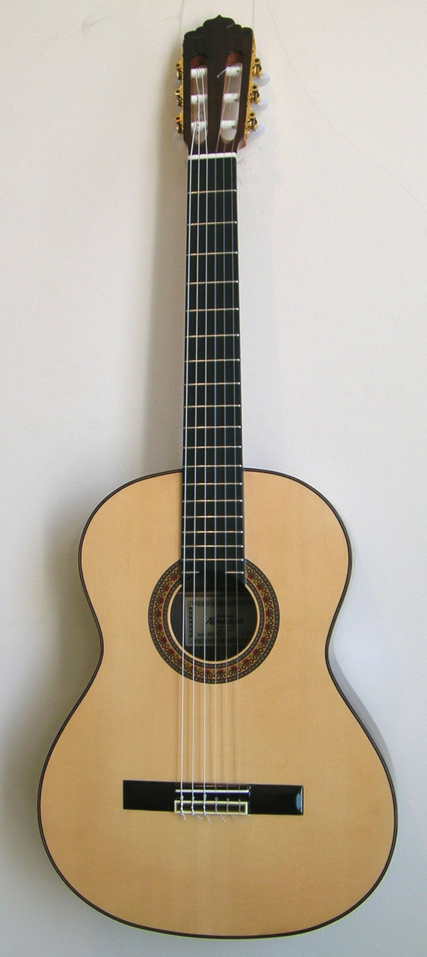 Yamaha Cgclassical Guitar