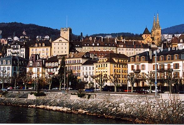 Neuchâtel mit Tour du Prison und Kathedrale
