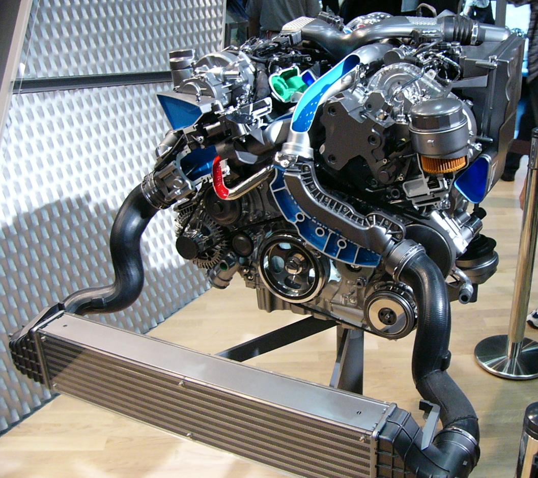 Mercedes Sprinter Wiki >> File:OM642 TMS2005 01.JPG - Wikimedia Commons