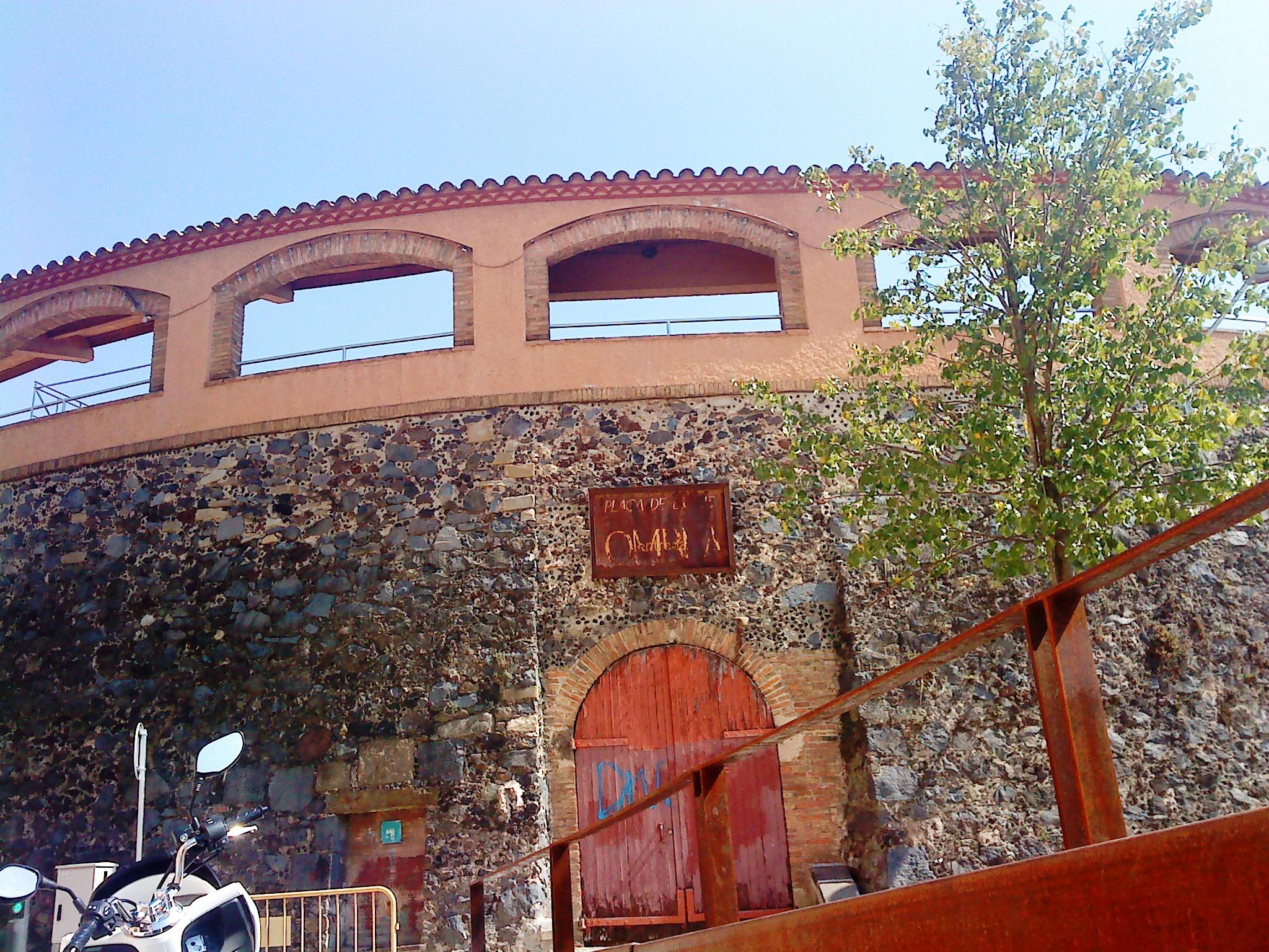 Depiction of Plaza de toros de Olot