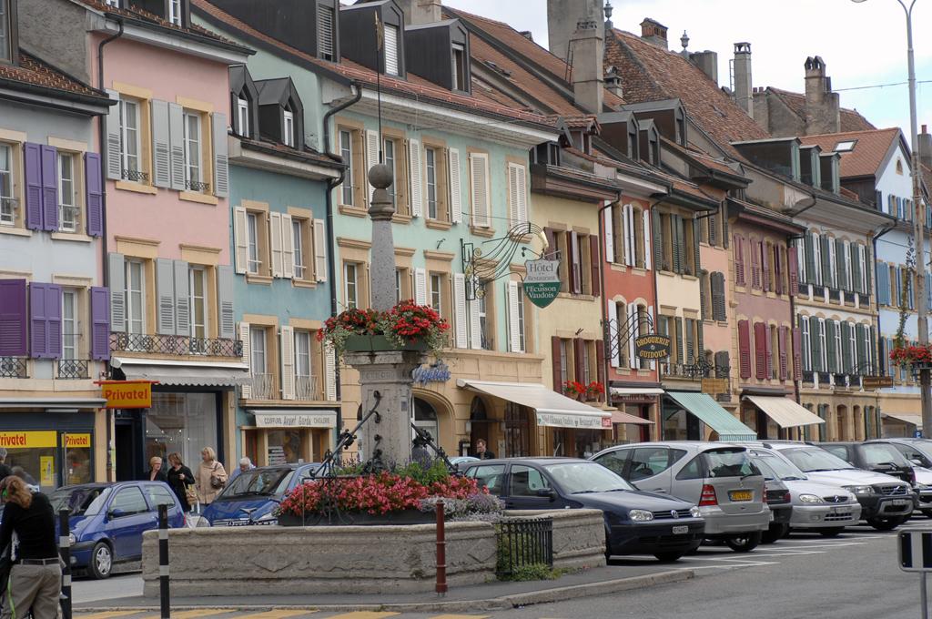 Panoramio - V&A Dudush - Rue de la Plaine.jpg