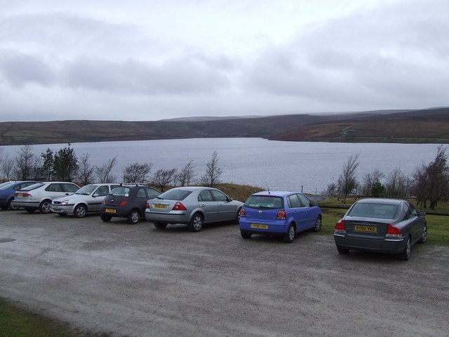 Parking and Picnic Area beside Grimwith Reservoir - geograph.org.uk - 662026
