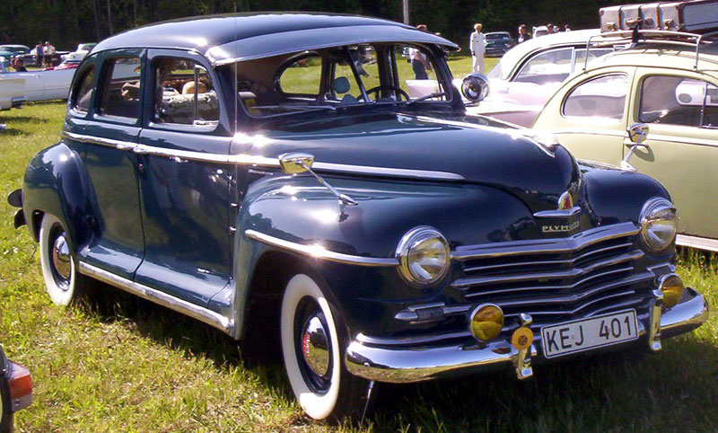File plymouth special de luxe 4 door sedan 1946 for 1946 chevy 4 door sedan
