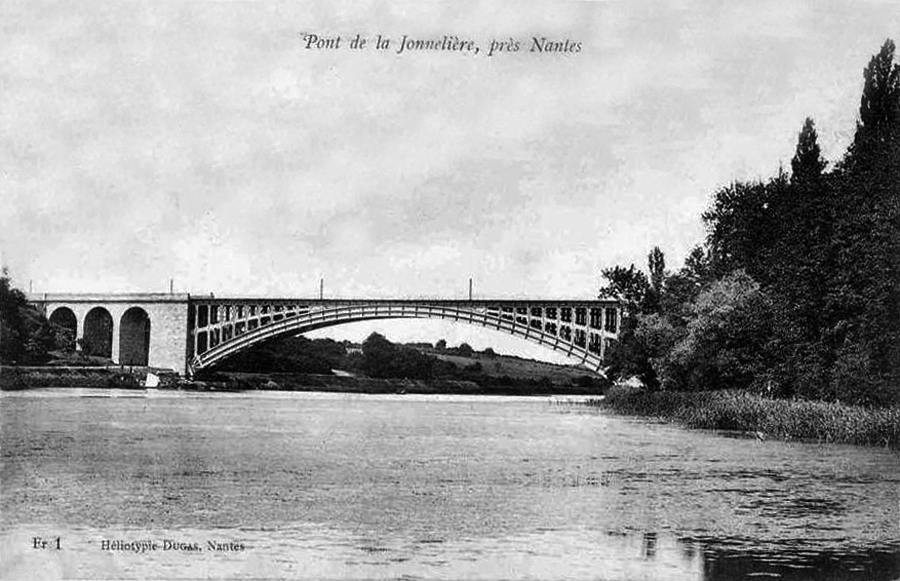 https://upload.wikimedia.org/wikipedia/commons/8/86/Pont-la-Jonneli%C3%A8re-Nantes-1900.jpg