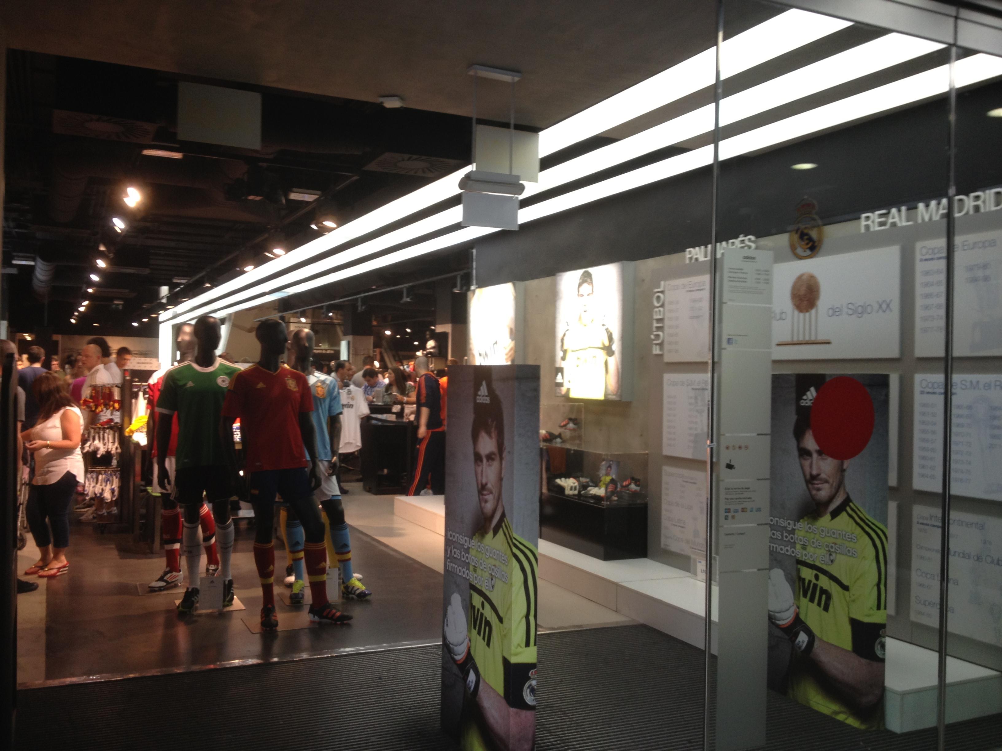 new arrival 0db13 cb70a REAL MADRID SHOP - Junans Bannas