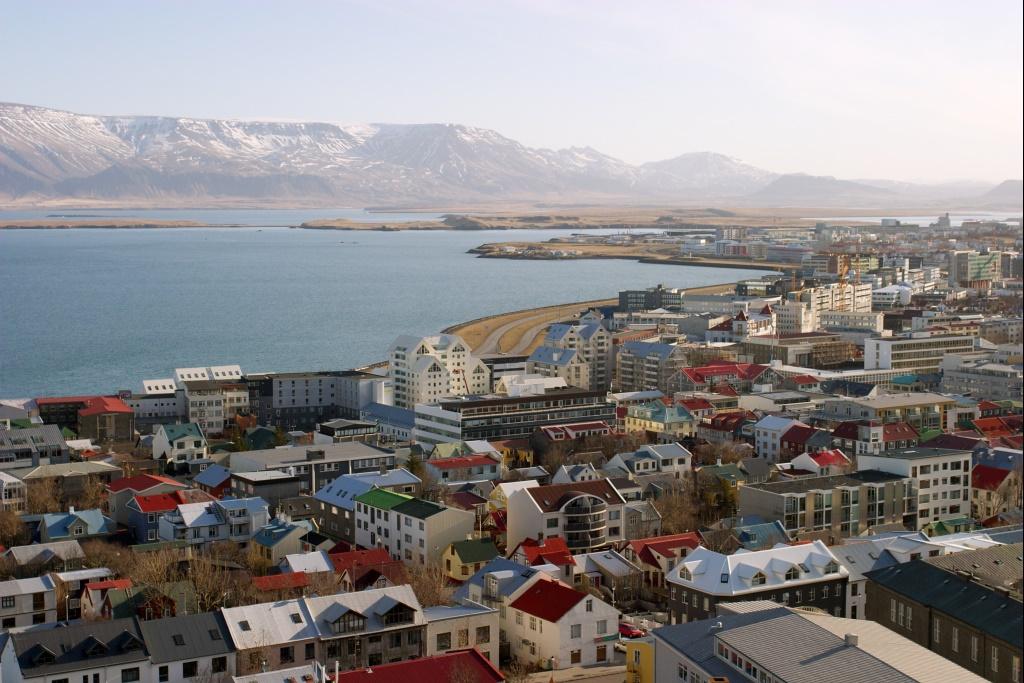 Reykjav k wikivoyage guida turistica di viaggio for Casette di legno in islanda reykjavik