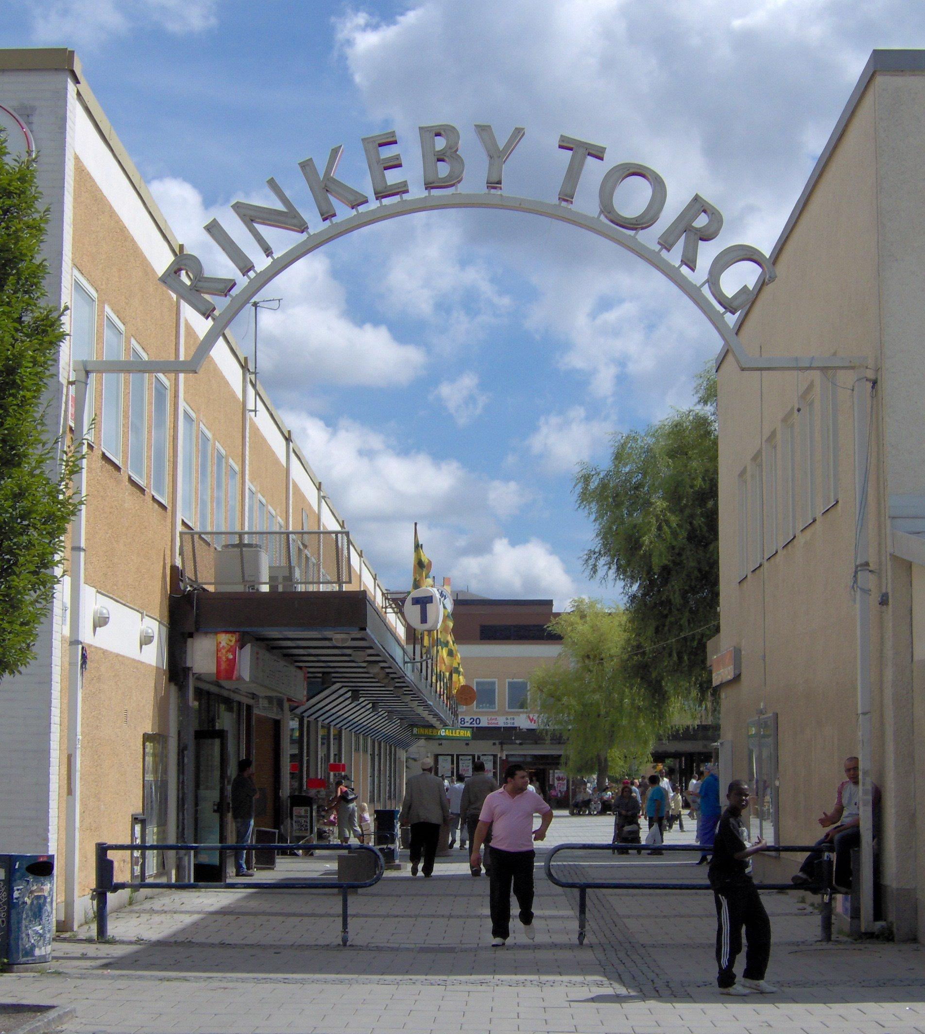 http://upload.wikimedia.org/wikipedia/commons/8/86/Rinkeby_torg.JPG