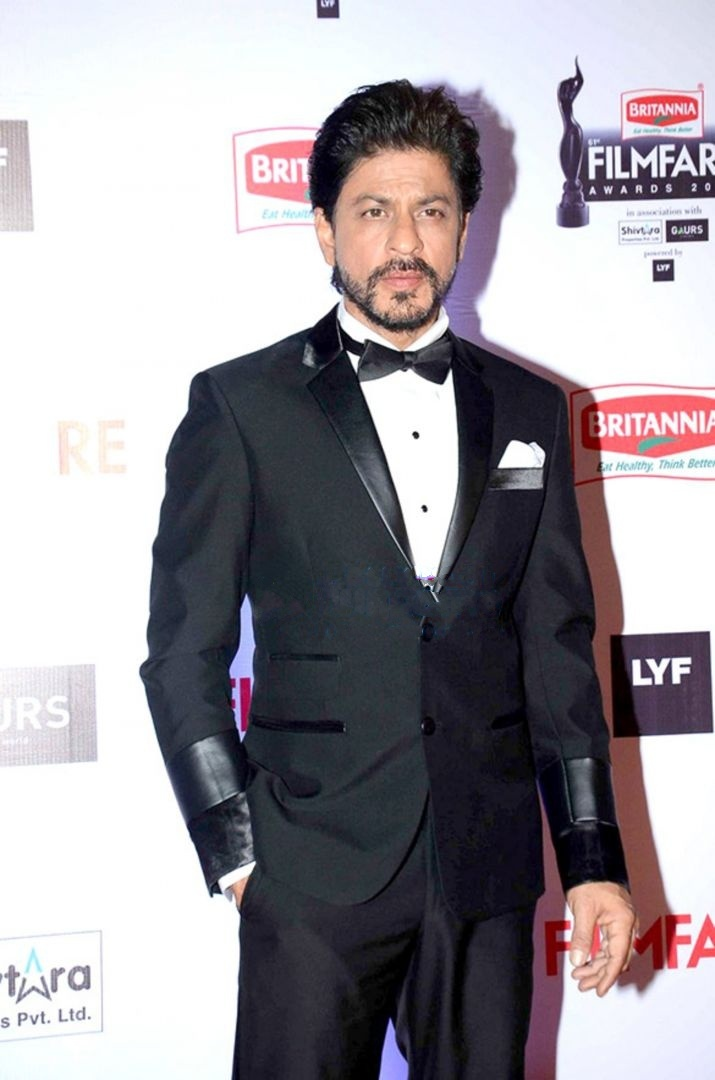 Fabulous List Of Awards And Nominations Received By Shah Rukh Khan Wikipedia Short Hairstyles For Black Women Fulllsitofus