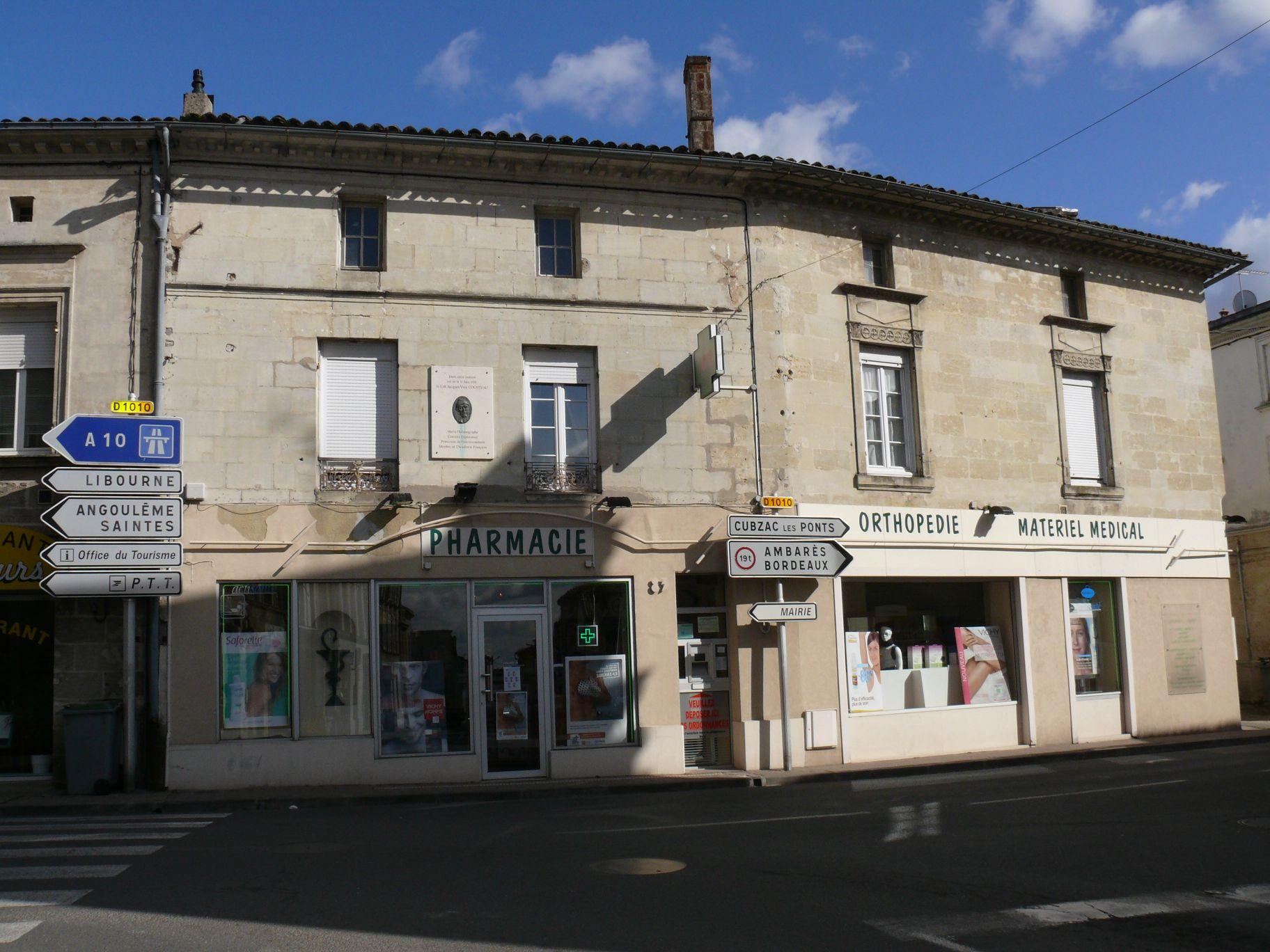 file andr 233 de cubzac maison natale de jacques yves cousteau 1 jpg wikimedia commons