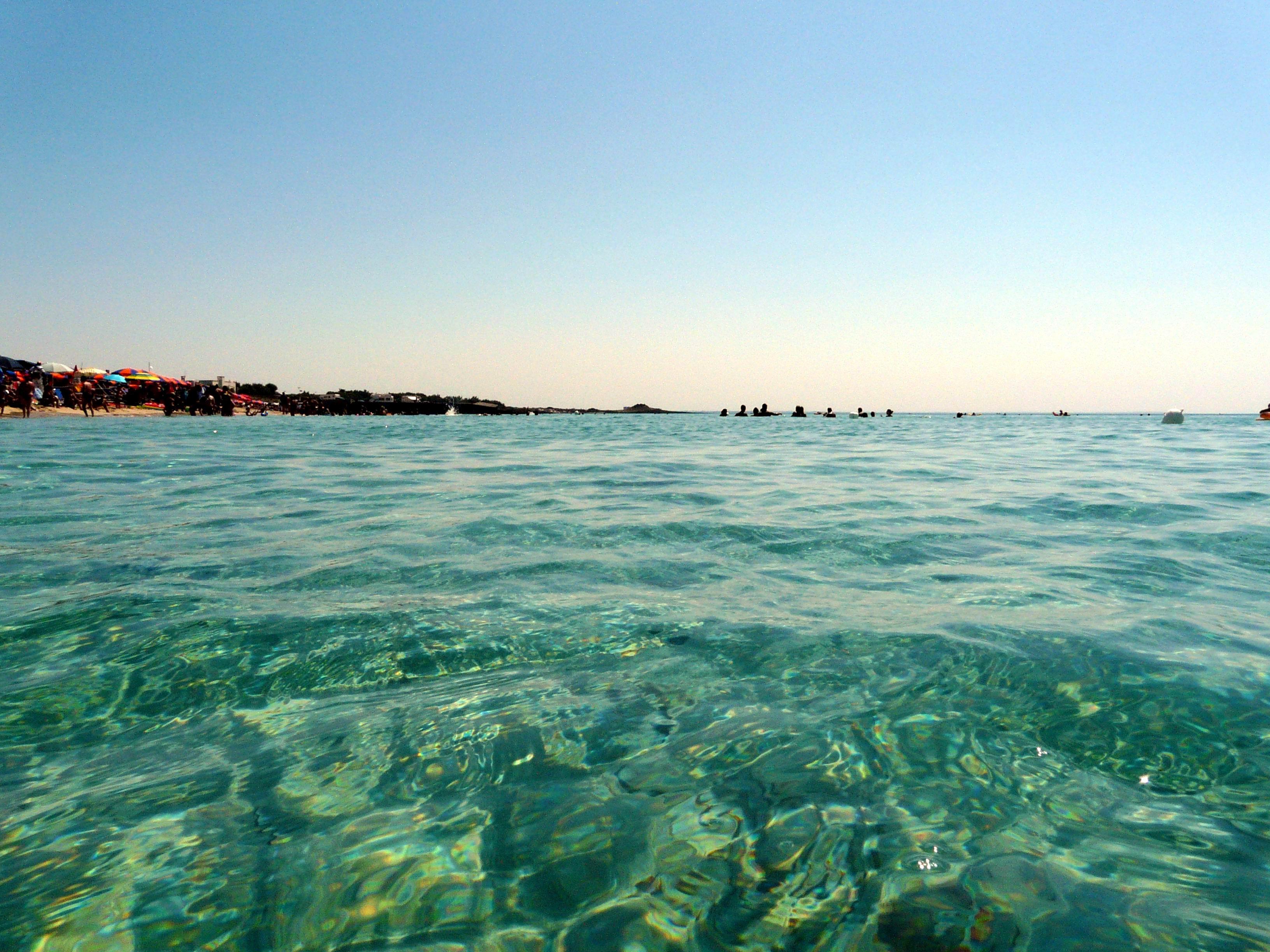 File:Salento - il mare di Torre Lapillo.JPG - Wikimedia ...