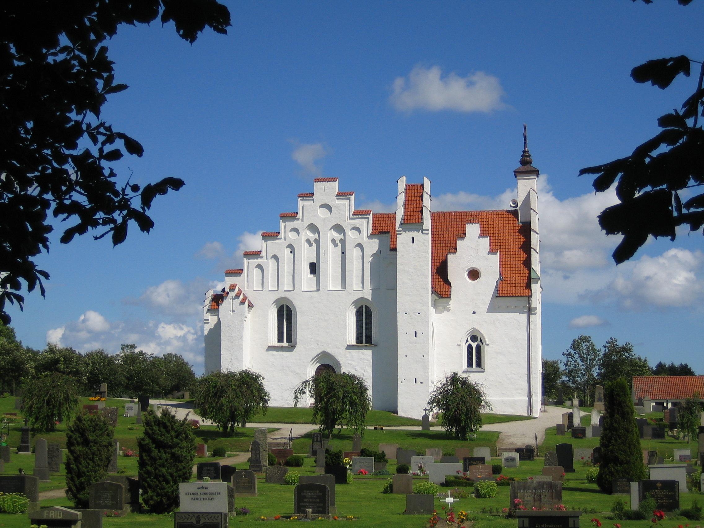 Bild av Sankt Olofs kyrka. Foto: Jorchr / GFDL