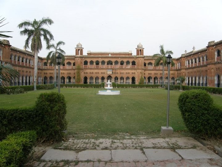 Marvelous architecture of the AMU campus. Courtesy: Wikipedia