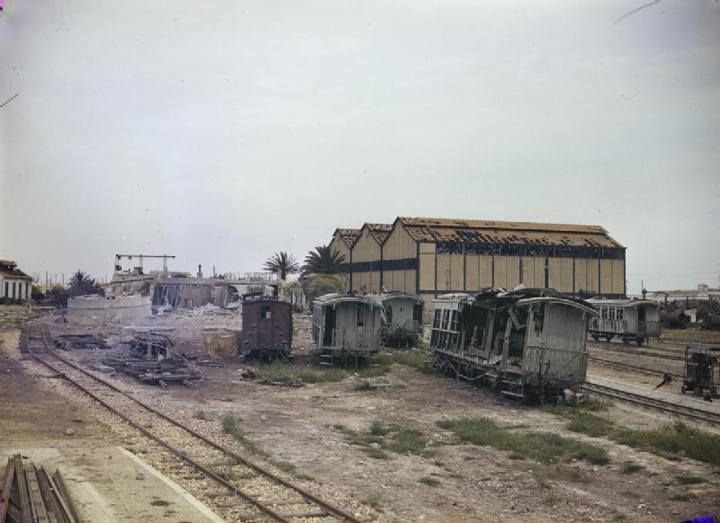 File:Sfax, Tunisia After An Allied Bombing Raid, June 1943 ...