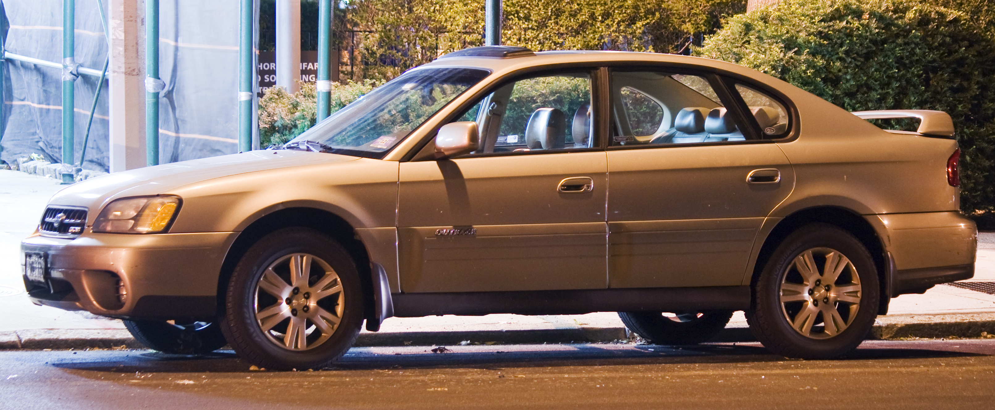 Custom Subaru Outback >> File:Subaru Outback Sedan H6-3.0.jpg - Wikimedia Commons